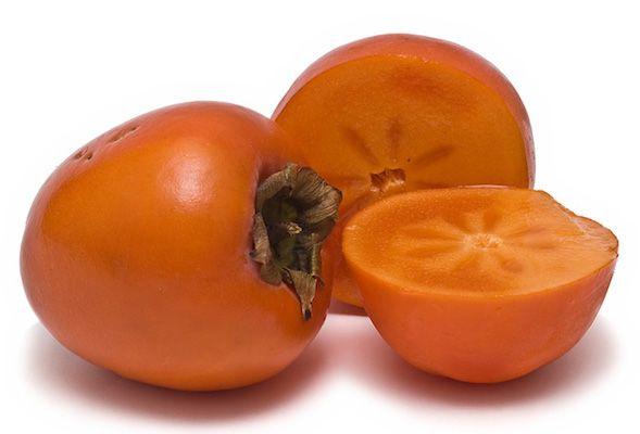 Wist je, dat die lekkere kaki's die wij op de markt of in de winkel kopen bijna altijd sharonfruit is? Sharonfruit is een veredelde kakisoort, die zijn naam te danken heeft aan het herkomstgebied, een dal in Israël. Het heeft, net als de gewone kaki, de vorm en kleur van een nog niet helemaal rijpe tomaat. Kaki's staan erom bekend dat ze veel vitamine C en provitamine A bevatten. Voeg hier nog aan toe dat ze erg lekker zijn en je hebt weer wat in je fruitmandje erbij om 'GEKop' te zijn.