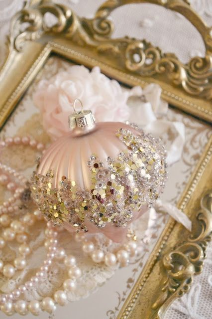 The 25+ best Gold christmas ornaments ideas on Pinterest | Elegant ...