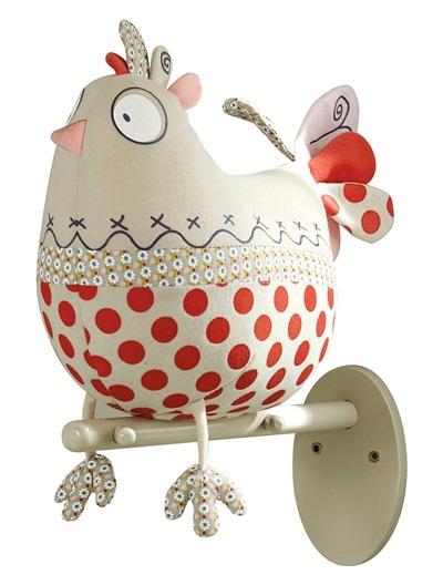 Un trophée de chasse pour les filles, original et amusant ! Une grosse poule à pois perchée sur sa branche : c'est pas sérieux du tout et c'est très rigolo !