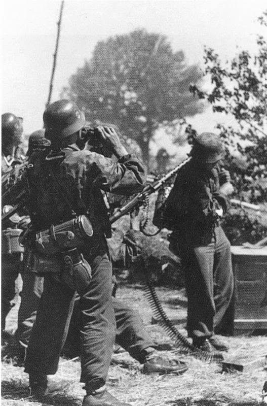 Waffen SS used MG34 to shoot at enemy aircraft