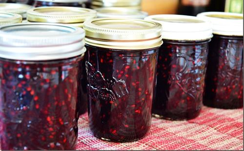 Old Fashioned Blackberry Jam Recipe – the best way to make it, no pectin needed….