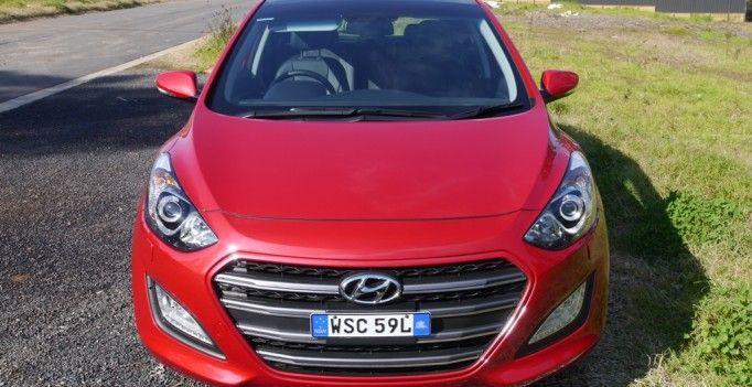 2015 Hyundai i30 Premium Diesel http://behindthewheel.com.au/2015-hyundai-i30-premium-diesel/