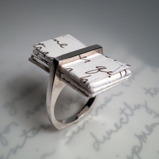 Unique-wedding-rings-meaningful-gifts-for-bride-or-groom-1.full