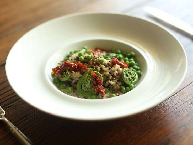 Découvrez 25 recettes pour cuisiner le quinoa, incluant des salades de quinoa…