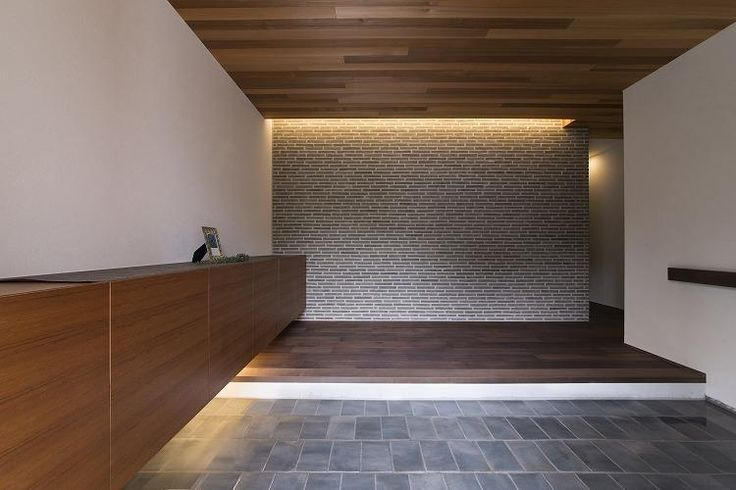専門家:WORKS・WISE 大桑博彦が手掛けた、玄関(桑原町の家)の詳細ページ。新築戸建、リフォーム、リノベーションの事例多数、SUVACO(スバコ)