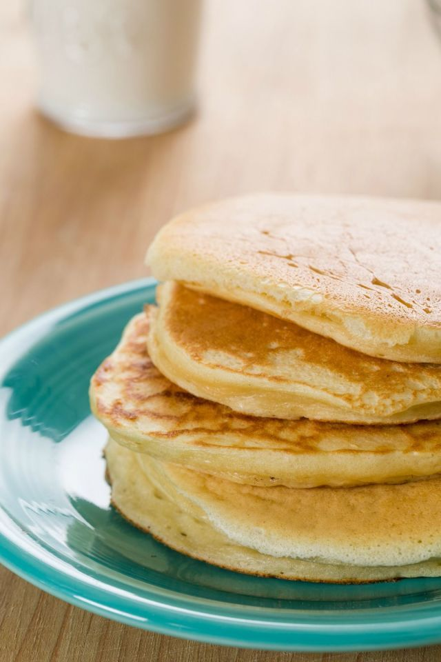 Greek Yogurt Pancakes  - Delish.com 1 c. flour 1 tbsp. baking powder 2 eggs 1 2/3 c. Greek yogurt