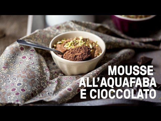"""Questa mousse di cioccolato vegan all'aquafaba è """"un assaggio di paradiso"""": soffice, ariosa e con un intenso sapore di cioccolato"""