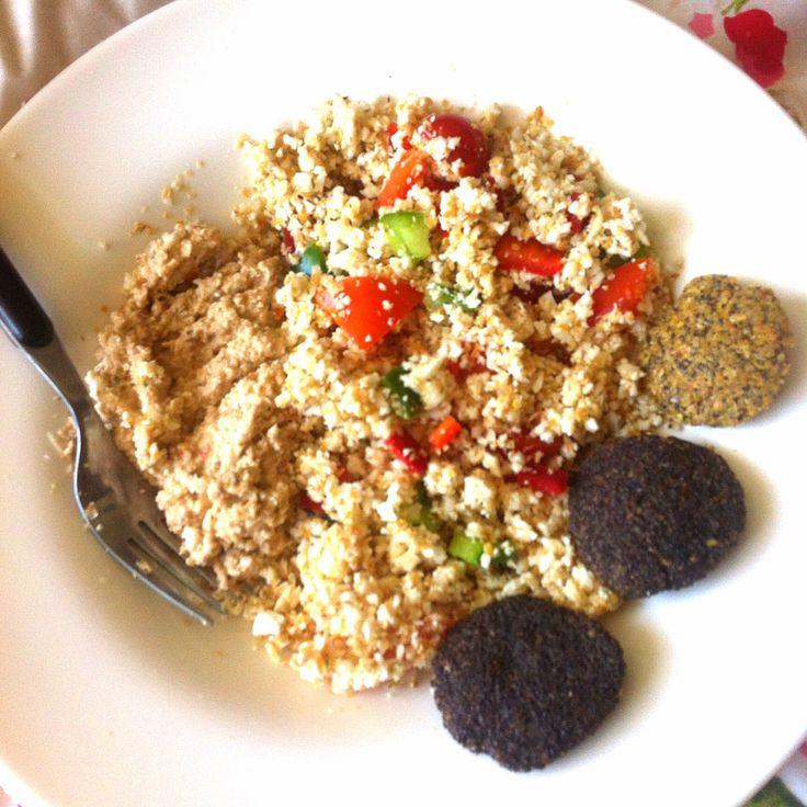 Raw rice (cauliflower) with veggies, nut an mushrooms pate and raw bread... Yumm