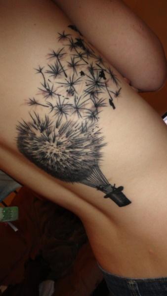 Always dandelion in the wind