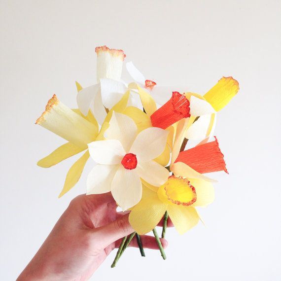 Set of 8 Paper Daffodils Spring Decoration Paper by APetalUnfolds