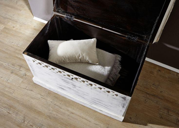 Truhe wohnzimmer ~ Die besten 25 antike truhen ideen auf pinterest vintage koffer