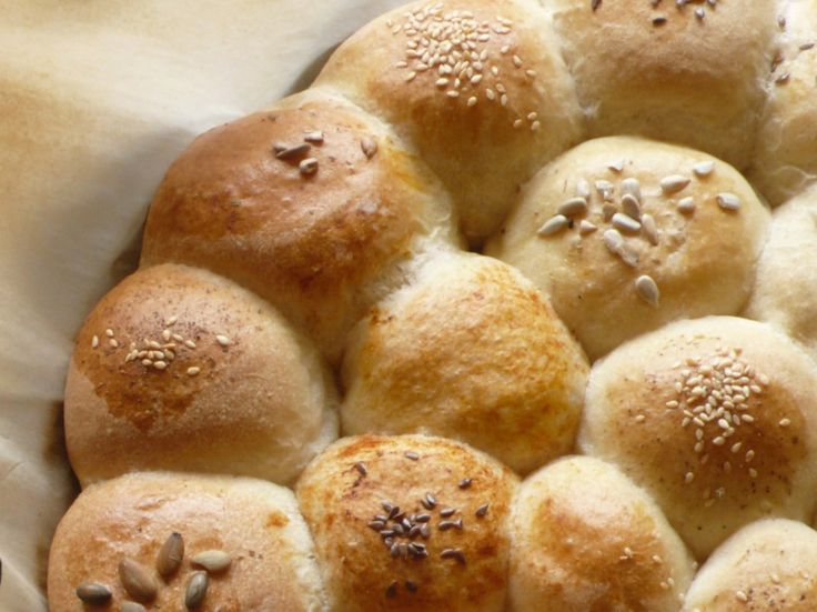 Pull apart Mayonnaise rolls via An Italian cooking in the Midwest @PolaM: Mayonnaise Pull Apartment, Italian Cooking, Pullapart Rolls, Pull Apartment Rolls, Mayonnai Rolls, Breads Rolls Muffins, Apartment Mayonnaise, Chef Dennis, Mayonnai Pull Apartment