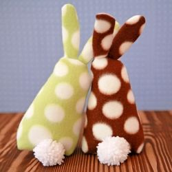 Check out this free pattern and tutorial and make your own bunny this year for your Easter basket.