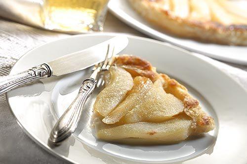 Torta rovesciata di pere tratta dal libro Mangia sano e spendi poco. 100 #ricette per mangiare meglio spendendo il giusto http://cuciniamo.mammeonline.net/mangia-sano-spendi-poco-100-ricette-per-mangiare-meglio/