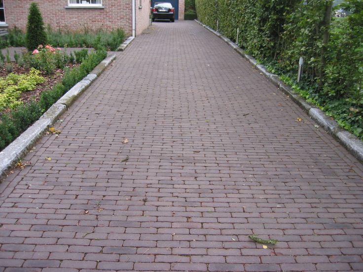 Landelijke tuin oprit gebakken klinkers oude belgische arduinen borduurs trv tuinaanleg - Tuin oprit plaat ...