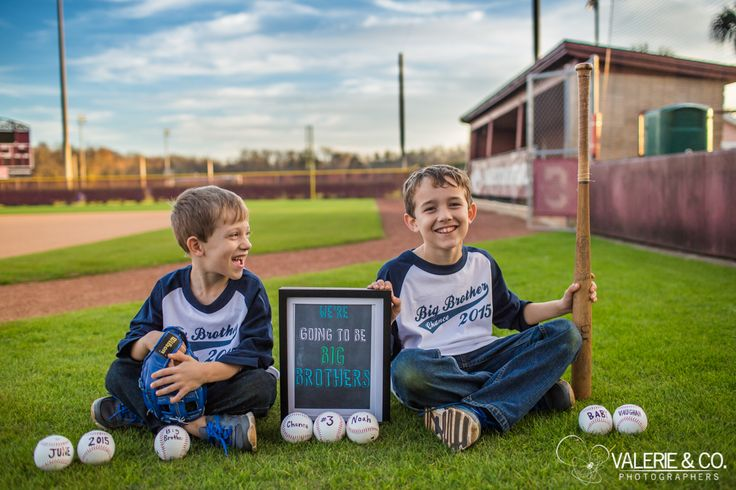 What a great baseball pregnancy announcement idea! I wonder if their next baby will be a boy or a girl? www.charleston-family-photographer.com #momofboys #pregnancyannouncement What should we plan for their gender reveal? #genderreveal #pregnancy #announcement #pregnancyannouncement #baseball #baseballtheme #kids