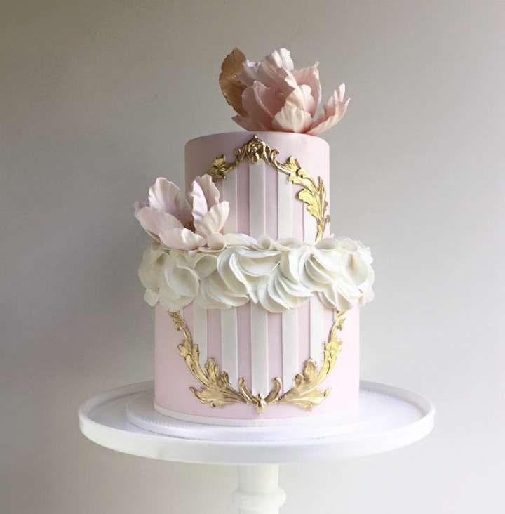 Pi di 25 fantastiche idee su torte nuziali a piani su for Piani a 2 piani
