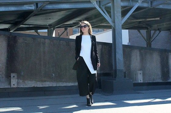 Get this look: http://lb.nu/look/8655635  More looks by Angharad Jones: http://lb.nu/user/1555461-Angharad-J  Items in this look:  Cos Top, Pretty Little Thing Blazer, Cos Trousers, Zara Boots   #monochrome #simple #minimalist #layers