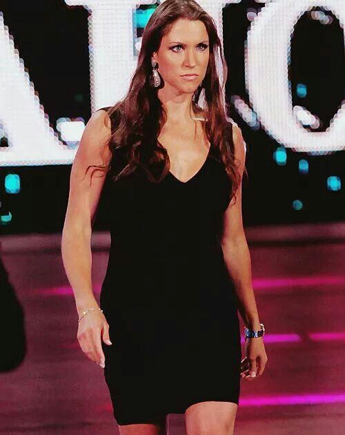 Stephanie McMahon-Levesque Nude Photos 17