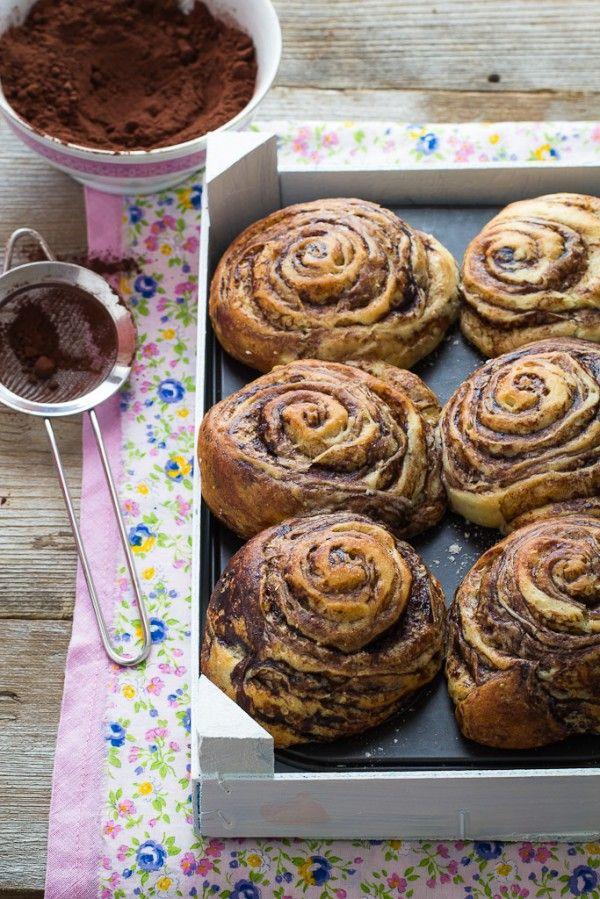 Panini dolci sfogliati al cacao - Cocoa sweet buns. Perfect for breakfast and coffee time :)