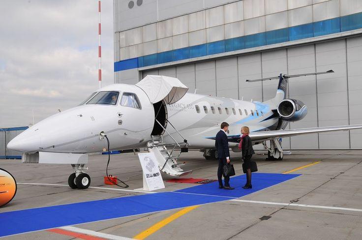 Сегодня в России успешно развивается бизнес авиация, где для обслуживания клиентов многие компании предоставляют самолеты и вертолеты VIP-класса.  #Vipavia #АДПАвиа #авиасалон #авиация  #чартерныерейсы #новостиавиации #бизнесджет #businessjet #privatejet