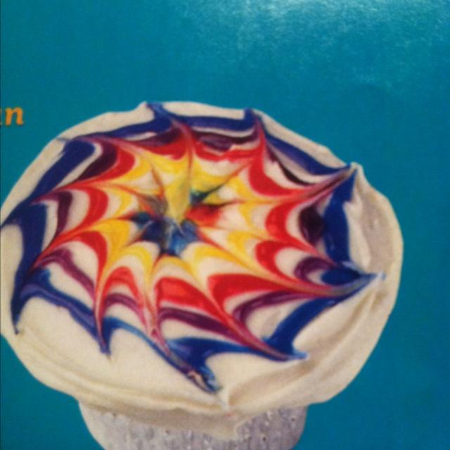 Tie-die cupcakes