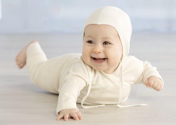 Ruskovilla, Warm Baby Clothes made of wool.   P.S. Etenkin unipussi, ulkoilusetti ja potkuhousut terällä ;)
