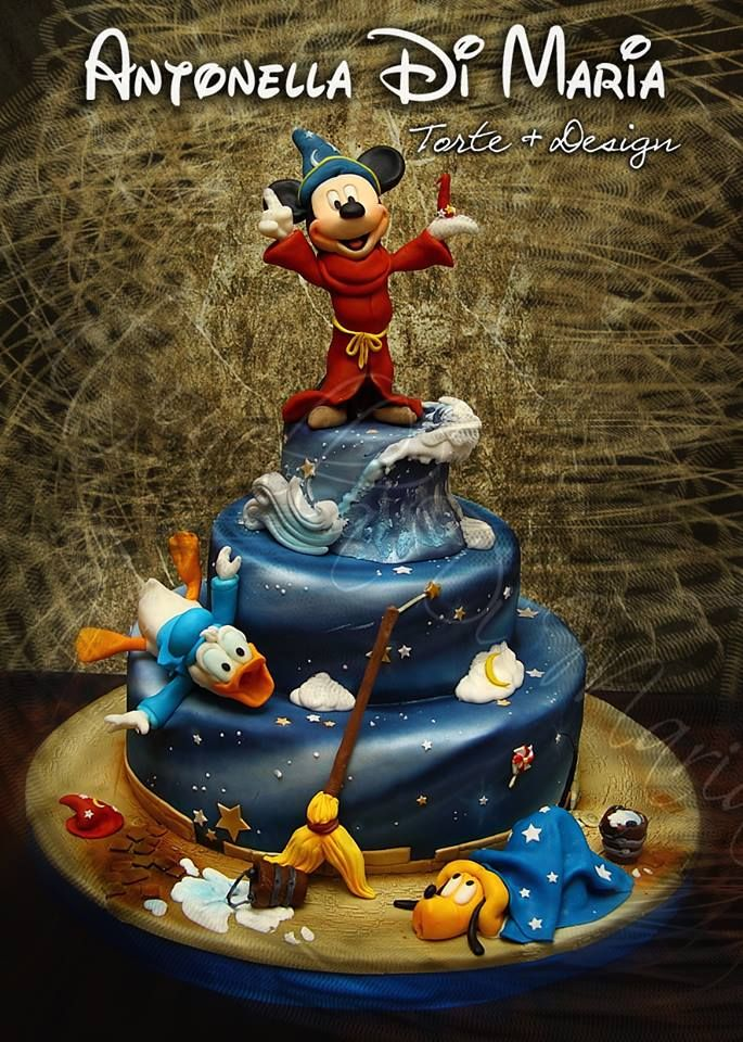 Magic Mickey Mouse cake.