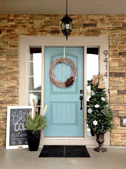 Very Simple Yet Adorable Front Winter Porch Decor