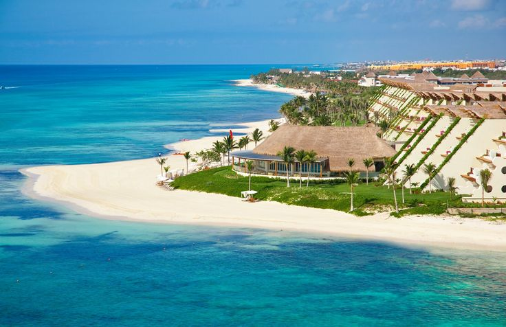 Experience the unparalleled and unique feeling of enjoying the best vacation in the Mexican Caribbean, #GrandVelas #RivieraMaya where natural beauty is complemented by the elegance.