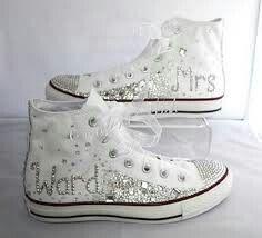 Vi piacciono queste scarpe? Sono delle Converse molto luccicanti stupende secondo me😍