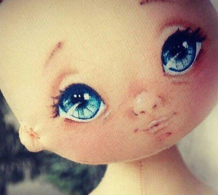 Пробуем рисовать куколке глазки...
