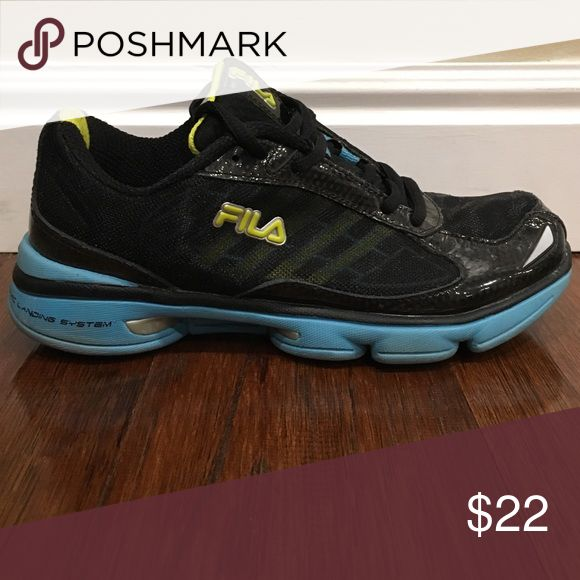 Fila Running Shoes Size 6 Women's Fila Running shoes. Lightweight. Great condition! Fila Shoes Athletic Shoes