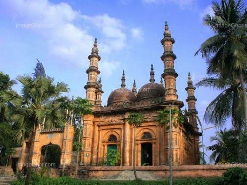 Tetulia Jame Mosque in Tetulia Village, (Bangladesh).