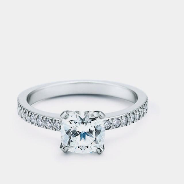 Tiffany <3 I want one...