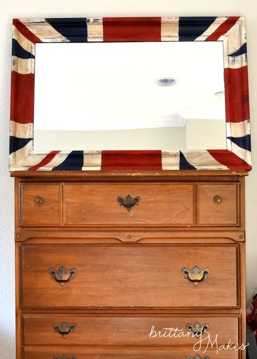 My Grandpa was born in London... maybe thats why I love this Union Jack mirror so much.
