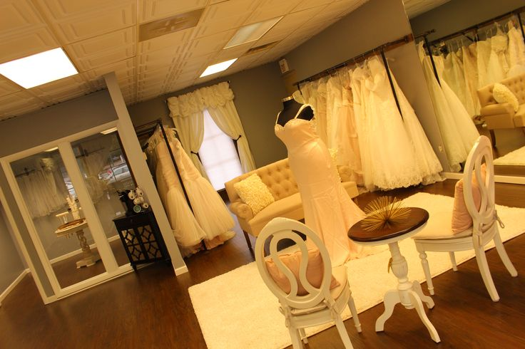 49 Best Bridal Salons Images On Pinterest Lounges