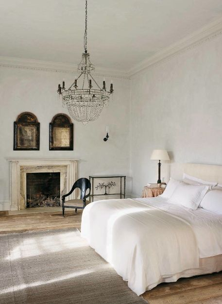 French chic - See more brilliant bedrooms at: http://ift.tt/1eSvmzW