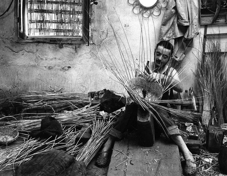 Atelier Robert Doisneau | Robert Doisneau's photo archives. - Craftsmen