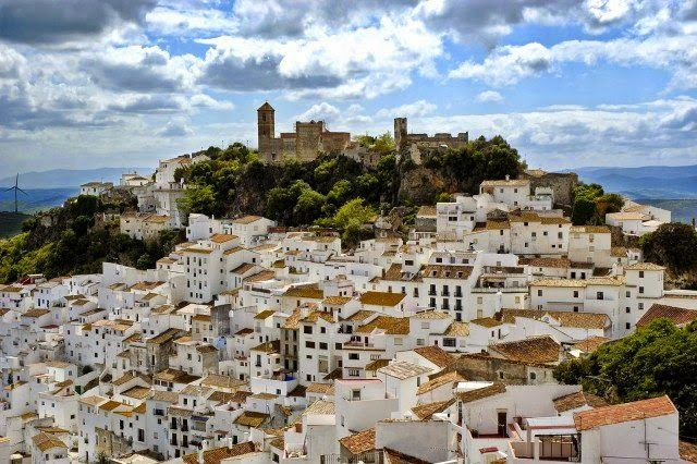Marinaleda, an Andalusian village in southern Spain that is prosperous thanks to its farming cooperative - A City Where Everyone Works, There Is No Police, And The Salary Is 1200 Euros
