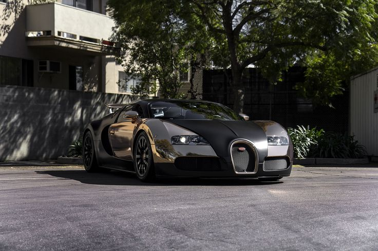 25 best ideas about bugatti veyron gold on pinterest. Black Bedroom Furniture Sets. Home Design Ideas