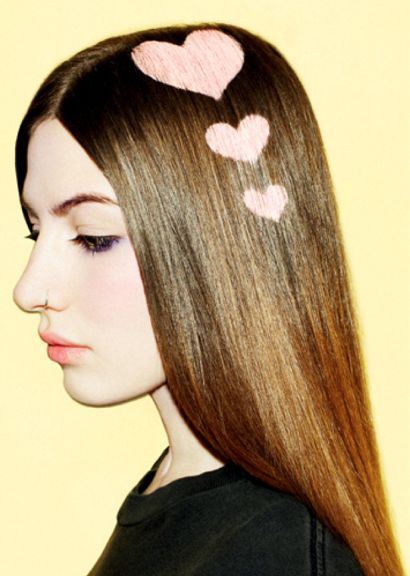 We heart this hair stencil look! It was done with a colored spray made especially for hair. #haircolor #hearts #stenciling