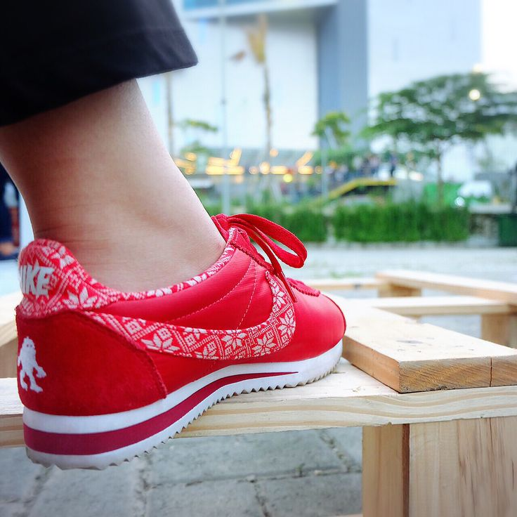 Nike cortez japan winter edition #nike #sneakers #cortez #nikecortez #redsneakers