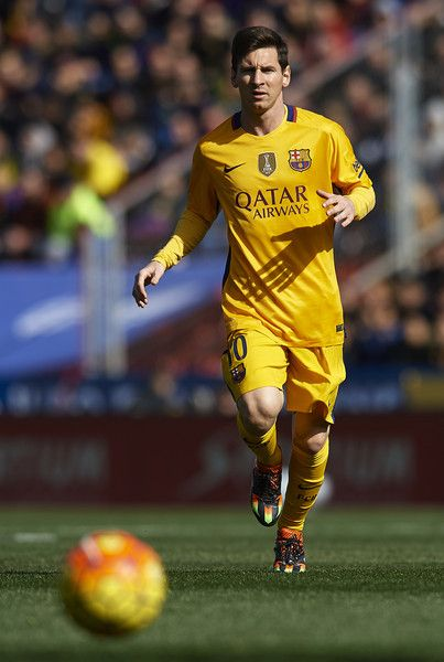 Lionel Messi of Barcelona in action during the La Liga match between Levante UD and FC Barcelona at Ciutat de Valencia on February 07, 2016 in Valencia