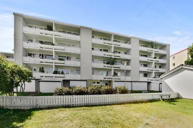 FINN – SKULLERUD: Praktisk 3-roms med balkong og garasjeplass