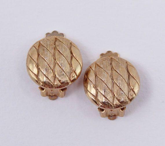 Vintage 70s Traditional Nautical Goldtone Rope Twist Braid Button Earrings by ThePaisleyUnicorn, $3.00