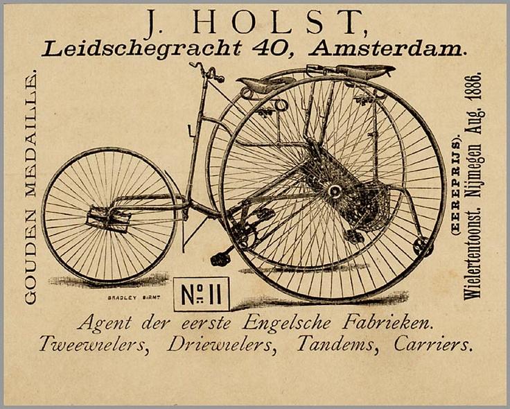 Tada, en hier de winnaar van de Wielertentoonstelling van 1886 in Nijmegen. Ontwerper (fiets & poster): J. Holst, Amsterdam.