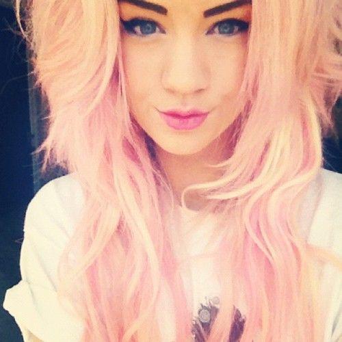 I wish I had her hair!!! #WANT