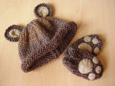 Cute bear hat and mittens!  http://luckyladybirdcraft.blogspot.com/2010/08/easy-baby-bear-hat-and-mittens-set.html