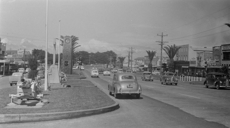 And we're back to Mordialloc with a couple of early views of the Main Street. The streetscape in 1907 is very much that of the small fishing village by the 1930s the palm trees and formal boulevard of today is growing steadily. #mordialloc #cfkheritage #history #lostmelbourne #vintagevictoria